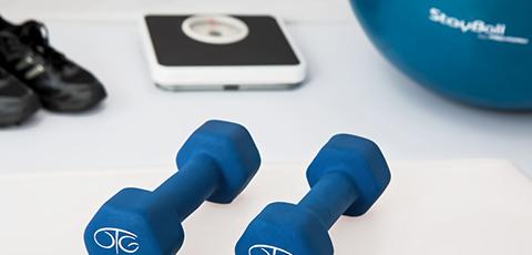 domowe ćwiczenia na biceps